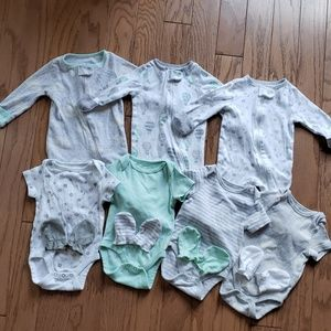 EUC 3 Pajamas, 4 Onesies, and 4 mitten sets